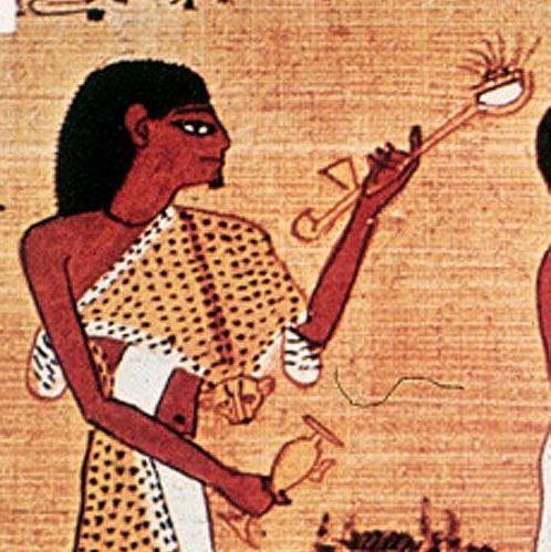 египтянин с трубкой